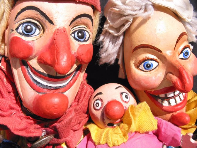 Punch and Judy do Super Splitting